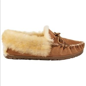 LL Bean wicked good women's fuzzy warm moccasins